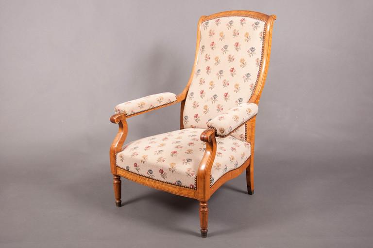 fauteuil voltaire charles x rable mouchet galerie richard juy mobilier antiquit s et. Black Bedroom Furniture Sets. Home Design Ideas